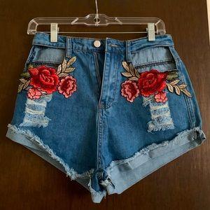 NWOT Rose Jean shorts 🌹